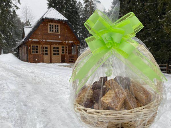 Korpa ljubavi - handmade sitni kolači